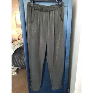 Silky Dark Olive Green Crop Trousers w/pockets